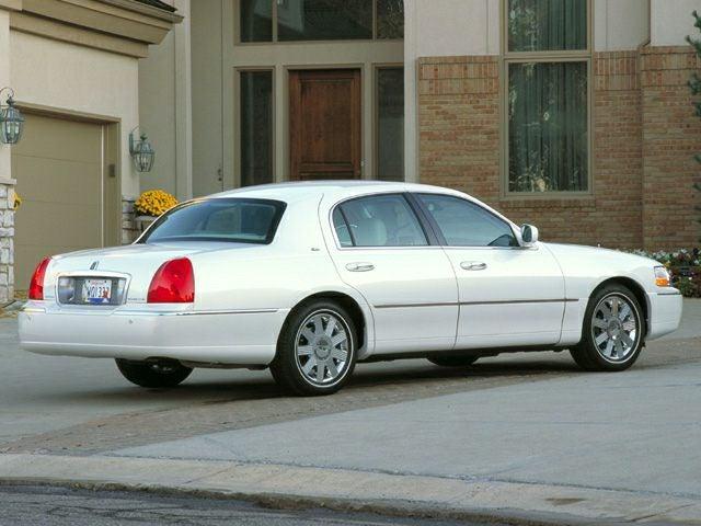 2003 Lincoln Town Car 4dr Sdn Executive Cary Nc Area Mercedes Benz